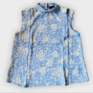 Who What Wear Sleeveless blue Pastel Floral Blouse